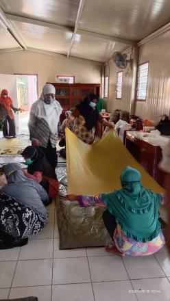 PKK Kalurahan Potorono Adakan Pelatihan Pembuatan Batik Ecoprint
