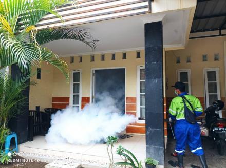Cegah Chikungunya, FPRB Astaguna Lakukan Fogging di RT 02 Padukuhan Salakan